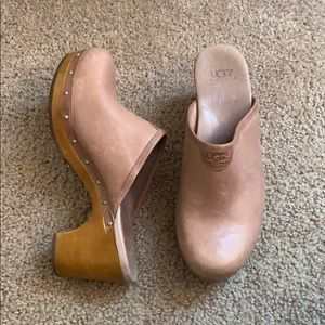 UGG LEATHER, SHEEPSKIN AND WOOD CLOGS  | size 8 |